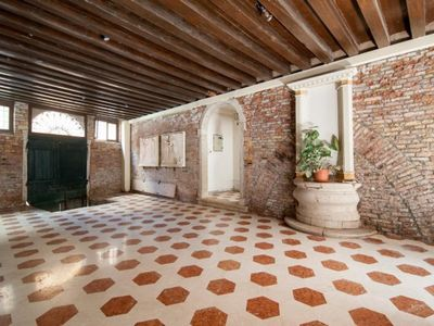 Photo for Charming property in central historical Venice