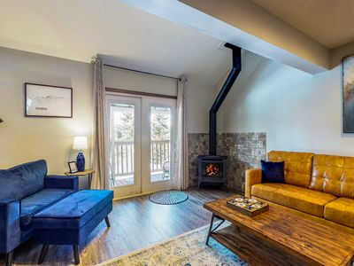 Photo for Newly-updated townhome w/ a furnished balcony, gas fireplace, & full kitchen