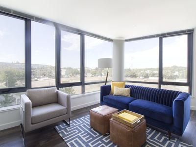 Photo for Sonder | The Continuum | Bright 2BR + Gym