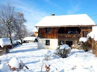 Photo for Traditional comfortable house, quiet, in the heart of the Grand Massif. 8 people