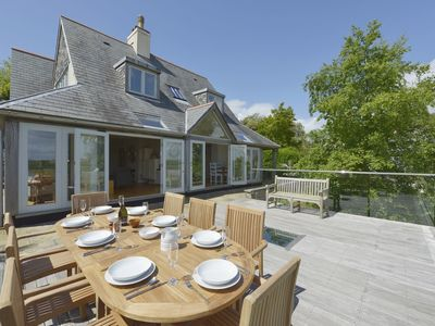 Photo for DOVE COTTAGE, family friendly in Dittisham, Ref 976216