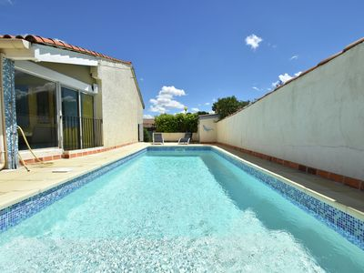 Photo for Villa with private pool near the beaches of Sète and close to historic Pezenas