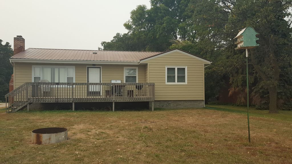Lake Cabin For Rent On The Shores Of Beautiful Devils Lake