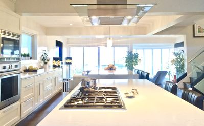 Photo for VistaSky: Modern Jewel Box w Chefs Kitchen!