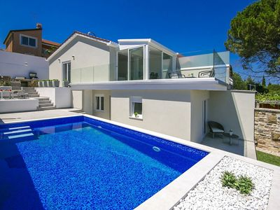 Photo for Stunning Sea View Villa with Swimming Pool in Umag