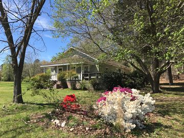 The Farmhouse in Uwharrie--New to the vacation rental market!
