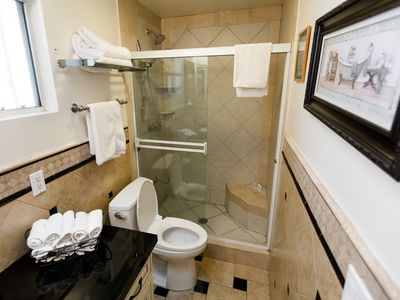 Photo for Garden Oasis near Universal Studios- Sleeps 6