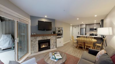 Photo for Prime Ski-in Ski-out Location! Pool, Hot tubs, BBQ, sleeps 6 (125)