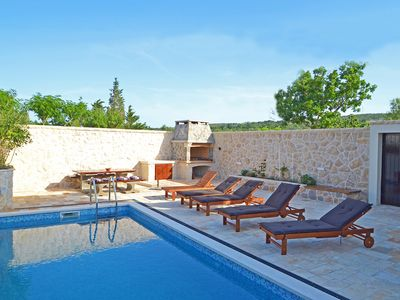 Photo for This 4-bedroom villa for up to 8 guests is located in Vinjerac and has a private swimming pool, air-