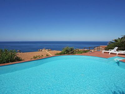 Photo for Villetta Rosmarino, 250m from the sea, large pool, air conditioning, wifi, sea views