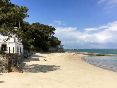 Photo for Villa with direct access to the beach