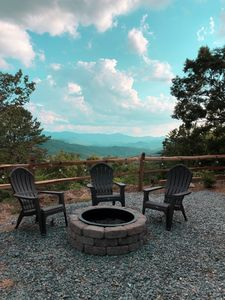 Photo for The AMAZING VIEW at Mountain Top Cabin
