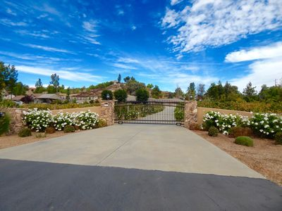 Photo for WALKING DISTANCE TO WINERIES! SLEEP IN THE VINES!
