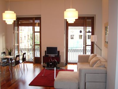Photo for Spectacular apartment in historic centre of Valencia