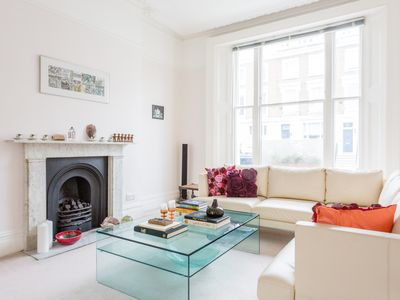 Photo for Fitzroy Road - Four Bedroom Apartment, Sleeps 6