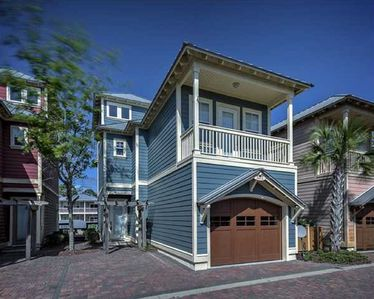 4BR Cottage @ WATERSIDE ~ UNDER STORM REPAIR: INQUIRE BEFORE MAKING RESERVATIONS