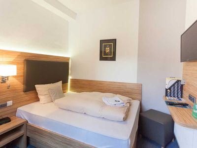 "Photo for Single Room - Hotel Garni and Apartments ""Zur alten Post"""