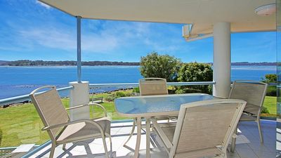 Photo for Beach Road 9 Spinnacker River Front Living