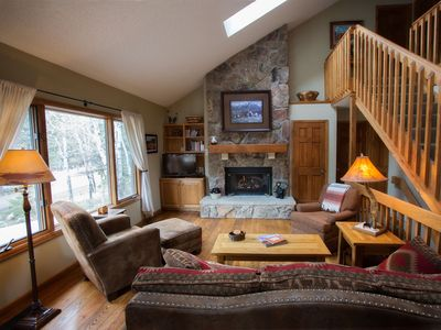 open concept living space for your Rocky Mountain vacation