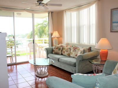 Photo for Isla Del Sol Bahia Vista 11-540 2 Bedroom 2 Bathroom Top Floor King Bed  Free WIFI & Parking