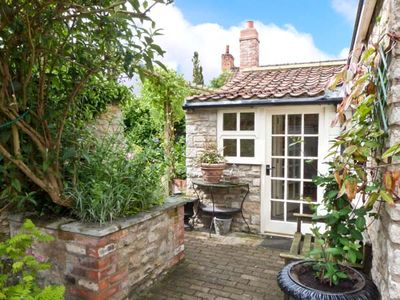 Photo for CORONATION COTTAGE, family friendly in Helmsley, Ref 26954