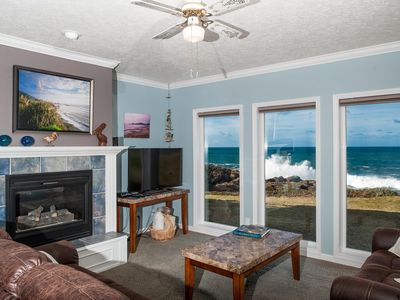 Photo for *Promo!* Beautiful Oceanfront Condo, Wifi, HDTV, DVD, Hot Tub and Indoor Pool!