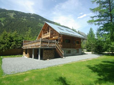 Photo for Luxury chalet with stunning mountain views