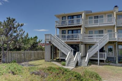 A Long Walk - Oceanfront Vacation Rental Townhouse in Wrightsvil