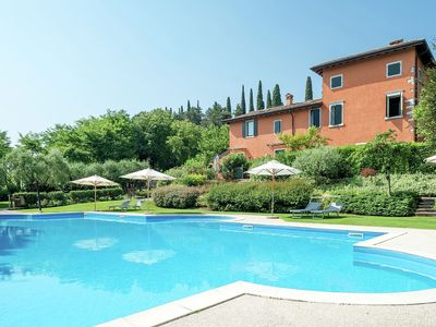 Photo for 4 star apartment in complex with swimming pool, tennis court, sauna and gym.