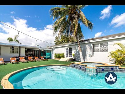 Sextant | Urban Oasis | Private Heated Pool + Hot Tub | 10 mins to South Beach