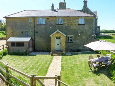 Photo for THE COACH HOUSE, family friendly, with open fire in Chale, Ref 20405