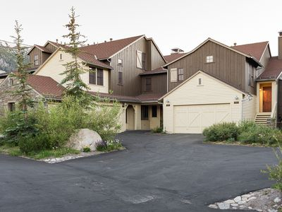 Photo for Well-appointed townhome with mountain views, shared hot tub and WIFI