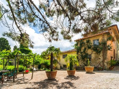 Photo for House with authentic atmosphere wing of ancient wine farm estate