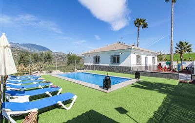 Photo for 5 bedroom accommodation in Colmenar