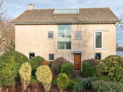 Photo for Keel House (CW23), Cotswolds - sleeps 10 guests  in 5 bedrooms