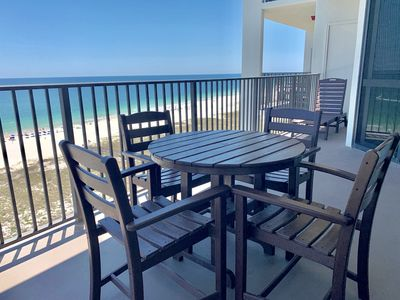 There's plenty of seating for everyone. Seating 4 for at the outdoor dining space, and an additional chaise lounger as well!