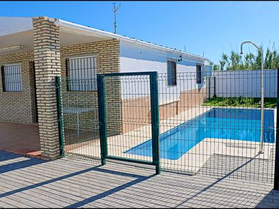 Photo for Holiday bungalow for 4 with private pool