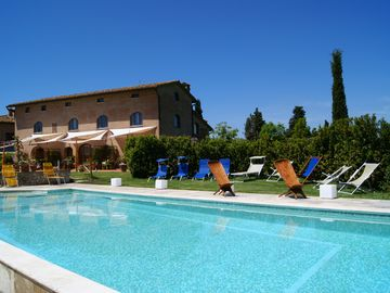 home holiday Italy Tuscany chianti pool overlooking the hills free wifi - I girasoli