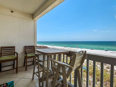 Photo for Gulf Front 2 bedroom Villas on the Gulf condo. Free WiFi. Washer/Dryer. Pool.