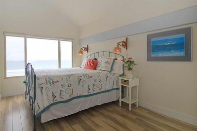 Masterbedroom with expansive ocean view