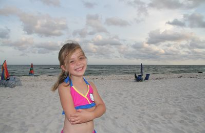 Lena is here at Orange Beach to let you know why you should stay at our condo.