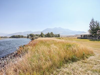 Photo for Yellowstone River frontage home 25 minutes from Yellowstone National Park