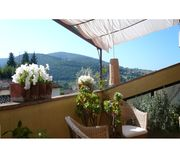 very nice location, very nice host, ideal for 3 guests, 5 minutes walk to bus for central Florence