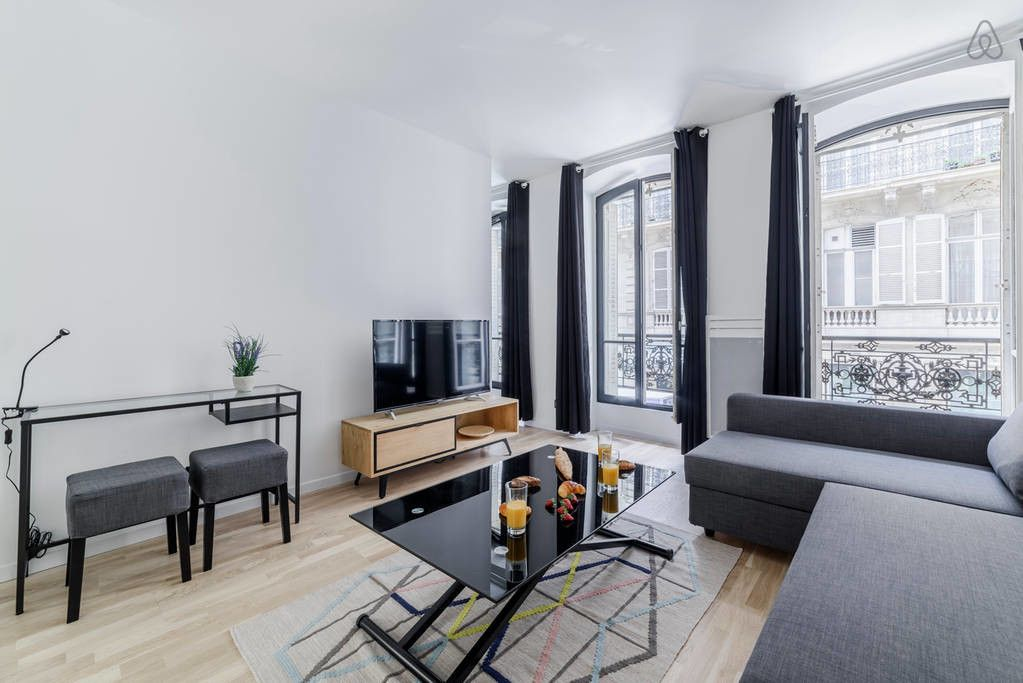 Bright And Airy Flat Close To Arc De Triomphe