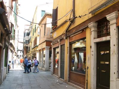Photo for Ca' dei Mercanti is in the tourist heart of Venice's Old Town