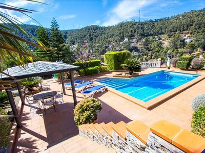 Photo for Catalunya Casas: Mountain Villa in Torrelles with pool, 25 km from Barcelona!