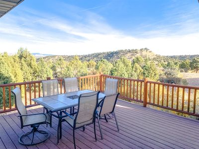Photo for Located just behind Bryce Canyon National Park with amazing view of the Rim