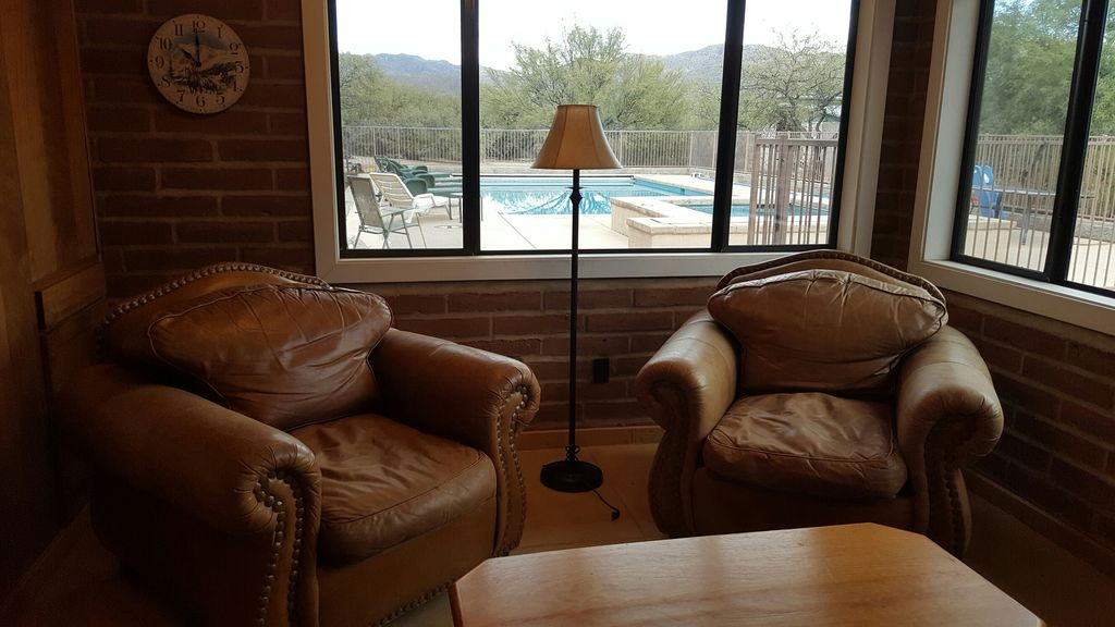 PRIVATE NATURE RETREAT WITH MOUNTAIN VIEWS, POOL AND SPA ON 3.3 ACRES!!!
