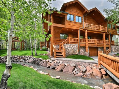 Photo for Timber Wolf Luxury - Walk To Canyons Cabriolet - Sleeps up to 8