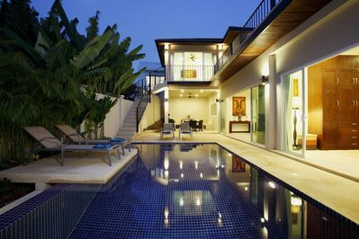 Topaz Villa, spacious villa sleeping 10 guests in 5 double bedrooms